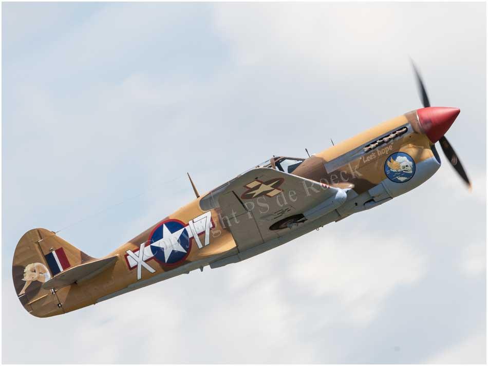 Curtiss_Warhawk_P40F_X17_034.jpg