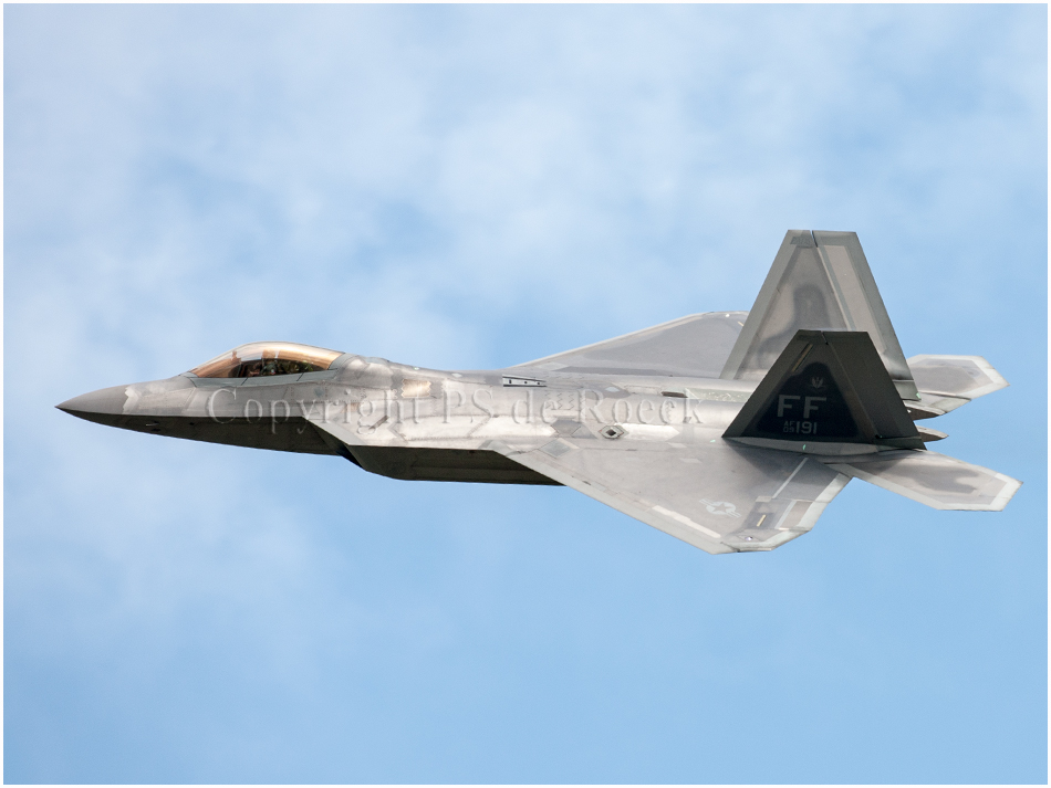 F22 Raptor stealth airplane